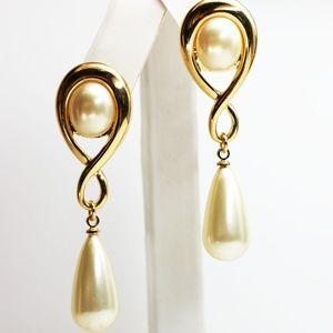 BRAND NEW KENNETH JAY LANE Earrings Pearl Earrings